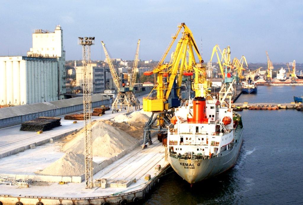 Перевалка вантажів в морських портах України виросла на 12,5%