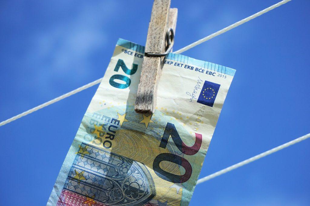 EU is implementing anti-money laundering program in Ukraine 1