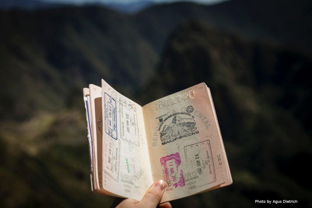 З березня українцям будуть потрібні закордонні паспорти для поїздок в РФ 1