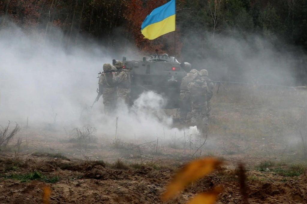 Збройні сили України захищають східний фланг НАТО - Порошенко 1