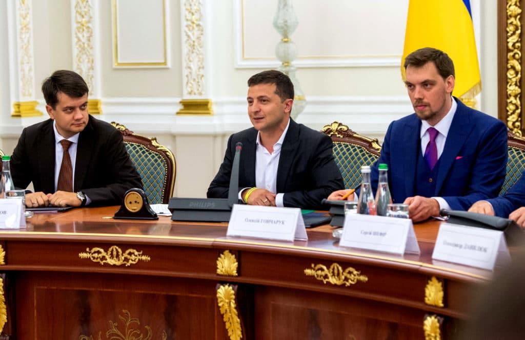 Розмови про унікальність України завершуються повною капітуляцією перед Росією - Омелян 1