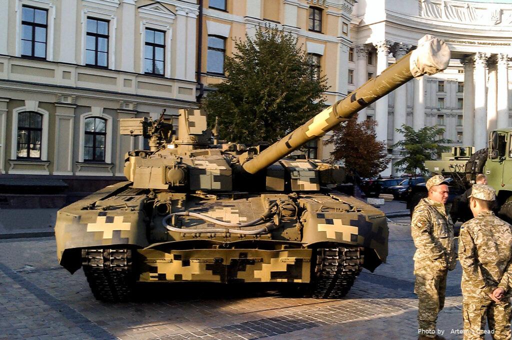 """Російська розвідка намагалась викрасти технічну документацію для танку """"ОПЛОТ"""". Зрадника затримано 1"""